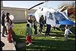 Conoce el interior de la cabina de mando de un helicóptero [Música por juguetes 2015]