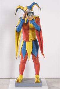 """CHEMA COBO. Jokers (instalación """"Los guardianes del deseo necesario""""), 1991. 130 x 64 x 45 cm. Papel (cartón fallero) policromado"""