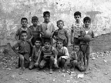 JOAN COLOM. Distrito V. EL Cirés-Mambo, 1959 (copia moderna de 2006). 60 x 45 cm. Fotografía en blanco y negro