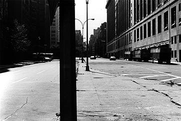PETER DOWNSBROUGH. Sin título, 1978 (revelada en 1994). Ed. nº: 2/3. 30 x 40 cm. Fotografía en blanco y negro sobre papel baritado a la gelatina de plata