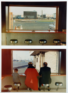DAN GRAHAM. Sin título, 1967. Nº Edición 26/30. 180 x 140 cm. Fotografía en color.