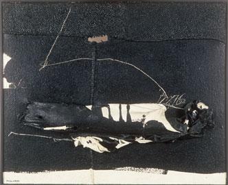 MANOLO MILLARES. Cuerpo caído, 1966. 81 x  100 x 10 cm. Acrílico, pigmentos y cola animal sobre arpillera