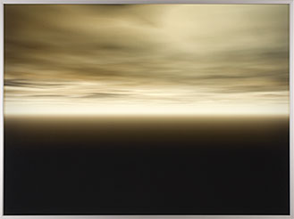 MATT MULLICAN. Sin título, 2003. Serie Default Atmospheres Nº. 14. 93,9 x 124'8 x 10,2 cm. Duratrans y caja de luz