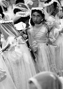 RICARD TERRÉ. Semana Santa, Sant Boi, 1956 (copia moderna de 2006). 100 x 75 cm. Fotografía en blanco y negro