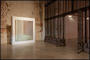Vista de sala de la exposición 'Abstracción postpictórica'. Foto: Guillermo Mendo