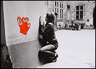 Valie Export. Configuration with Red Hand (Configuraci�n con mano roja), 1972. Fotograf�a, 55,5 x 78,5 cm