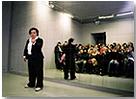 Judith Hopf. What do you look like? A crypto demonic mystery (Cómo te ves? Un misterio cripto-demoníaco), 2007. Video-instalación (video, espejos), 7 min. Cortesía de Galerie Andreas Huber, Viena; Croy Nielsen, Berlín