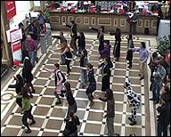 FLO6X8. Rumba Rave Banquero, 2010. Video, 5'20''