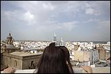 JULIE RIVERA. The Architecture of Happiness. Vídeo 3'28'', Sevilla. Maqueta arquitectónica en metacrilato pulido, plata y aluminio. 550mm x 300mm x 95 mm aprox.