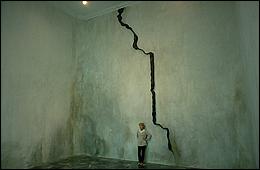 Soledad Sevilla. El Rompido, 2001. Instalation © Soledad Sevilla